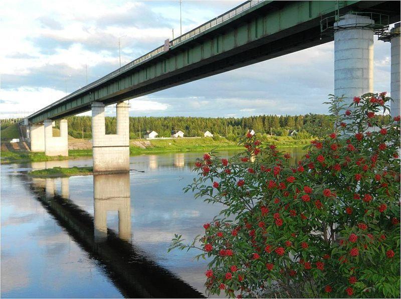 Мост через реку Сухону город Тотьма