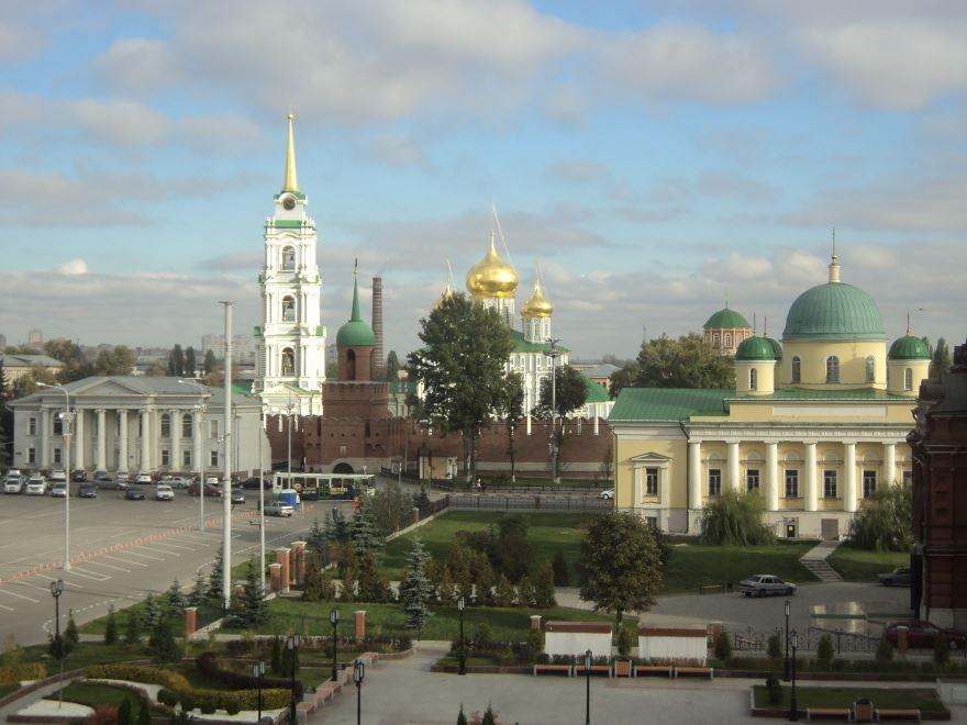 Смотреть красивое фото вид на Преображенский храм, Кремль и Успенский собор город Тула
