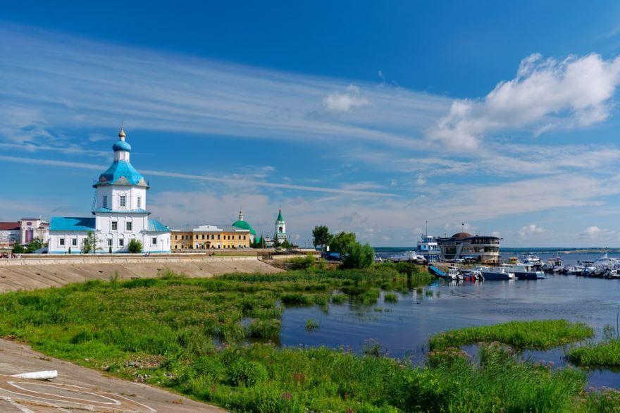 Скачать онлайн бесплатно лучшее фото достопримечательности города Чебоксары в хорошем качестве