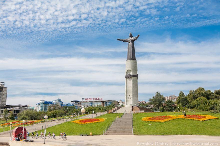 Монумент Матери покровительницы город Чебоксары