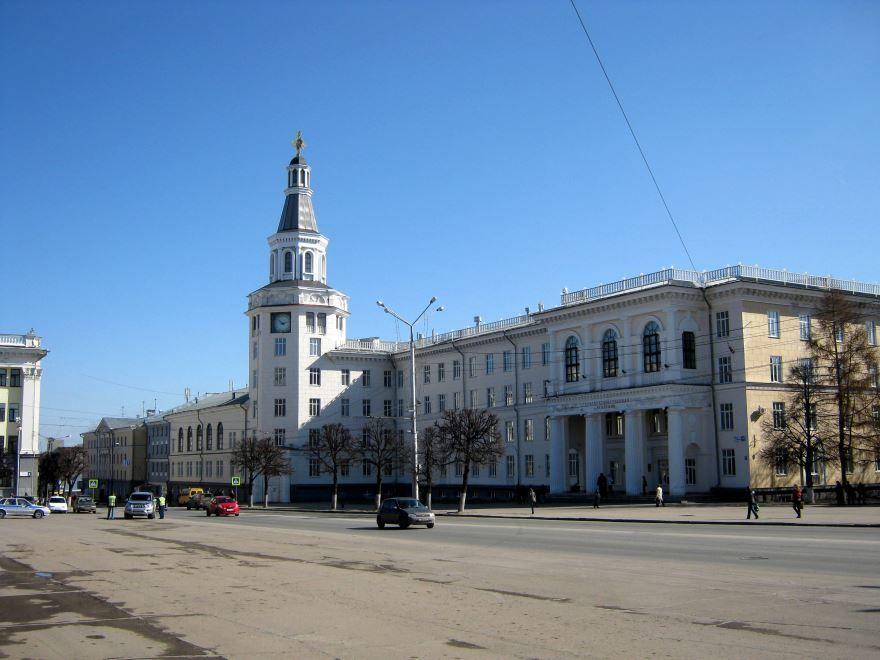 Площадь Республики город Чебоксары