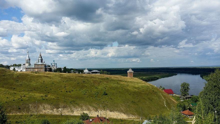Скачать онлайн бесплатно лучшее фото Троицкое городище город Чердынь в хорошем качестве