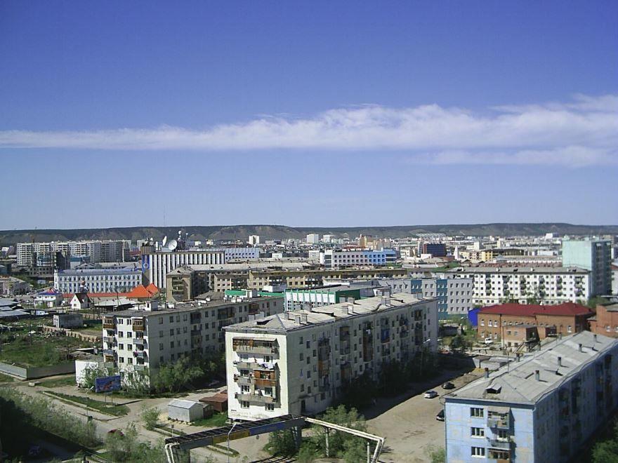Скачать онлайн бесплатно лучшее фото вид на центральную часть города Якутска в хорошем качестве