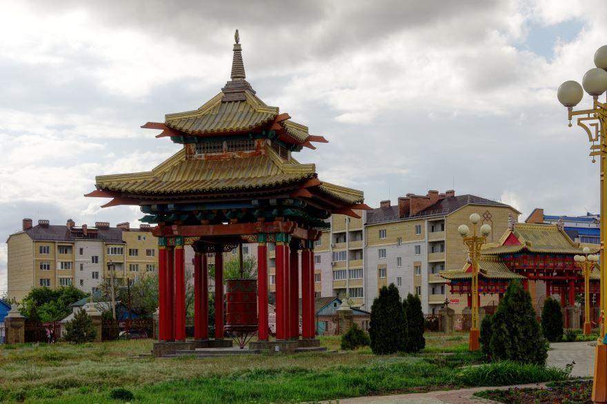 Скачать онлайн бесплатно лучшее фото города Элиста в хорошем качестве