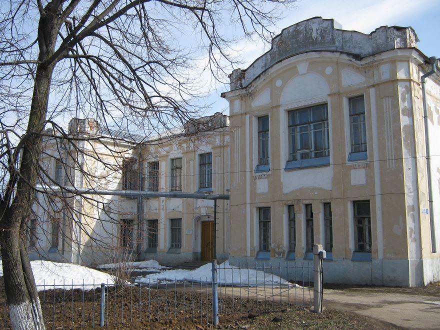 Бывшее здание женской прогимназии город Ядрин