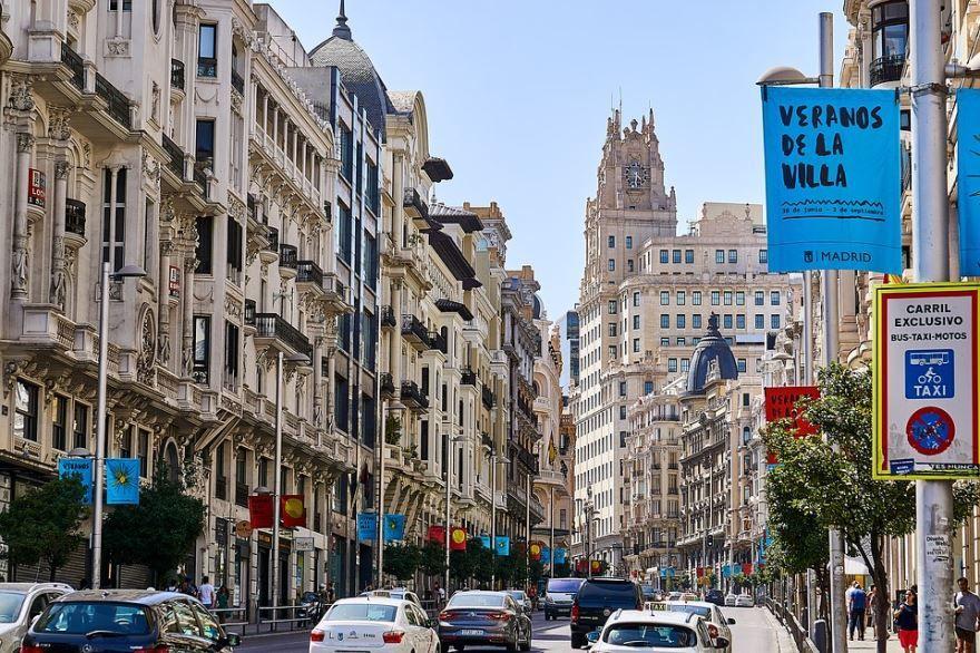 Скачать онлайн бесплатно лучшее фото города Мадрида в хорошем качестве