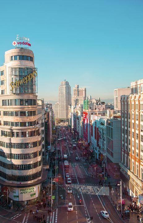 Скачать онлайн бесплатно лучшее фото улица города Мадрида в хорошем качестве