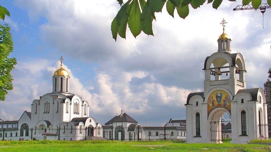 Скачать онлайн бесплатно лучшее фото достопримечательности города Минска в хорошем качестве