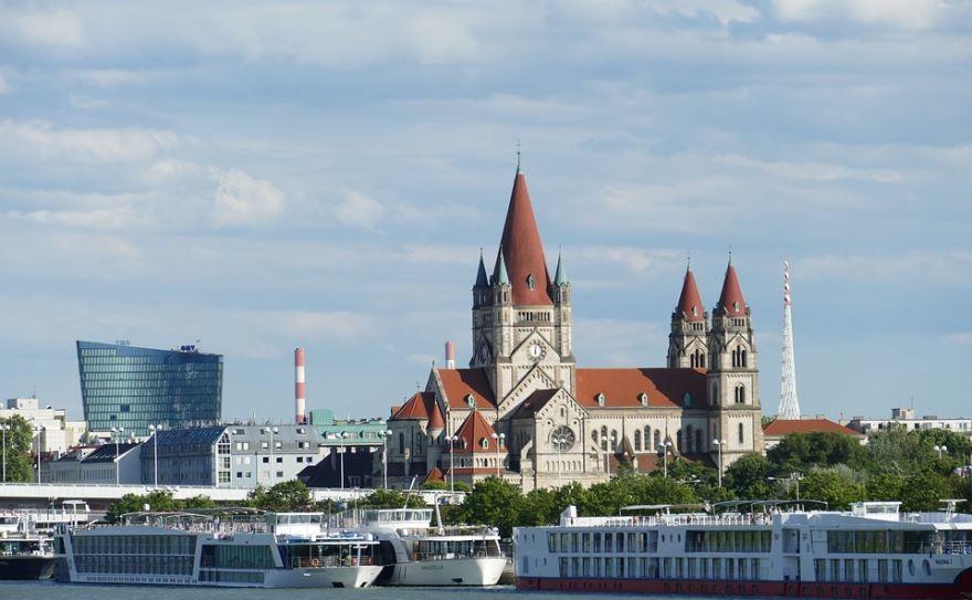 Смотреть красивое фото с красивой архитектурой город Вена