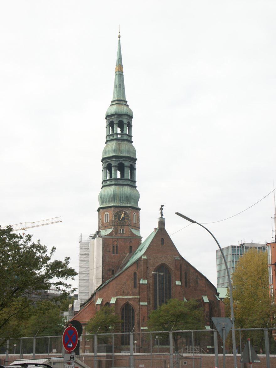 Скачать онлайн бесплатно лучшее фото города Гамбурга в хорошем качестве