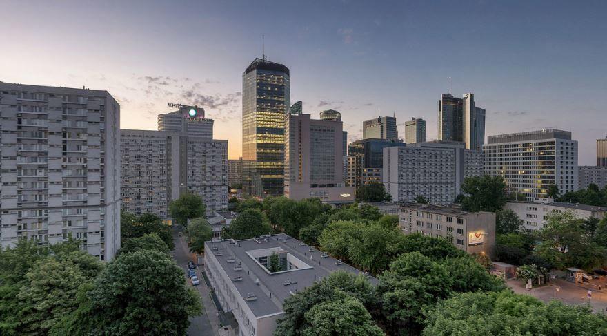 Смотреть красивое фото вид на город Варшаву в хорошем качестве