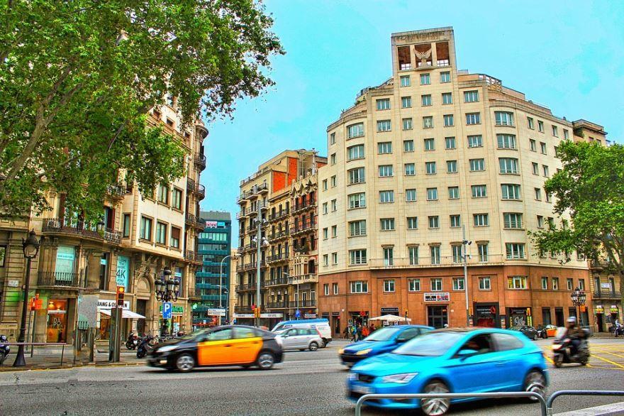 Скачать онлайн бесплатно лучшее фото города Барселона в хорошем качестве