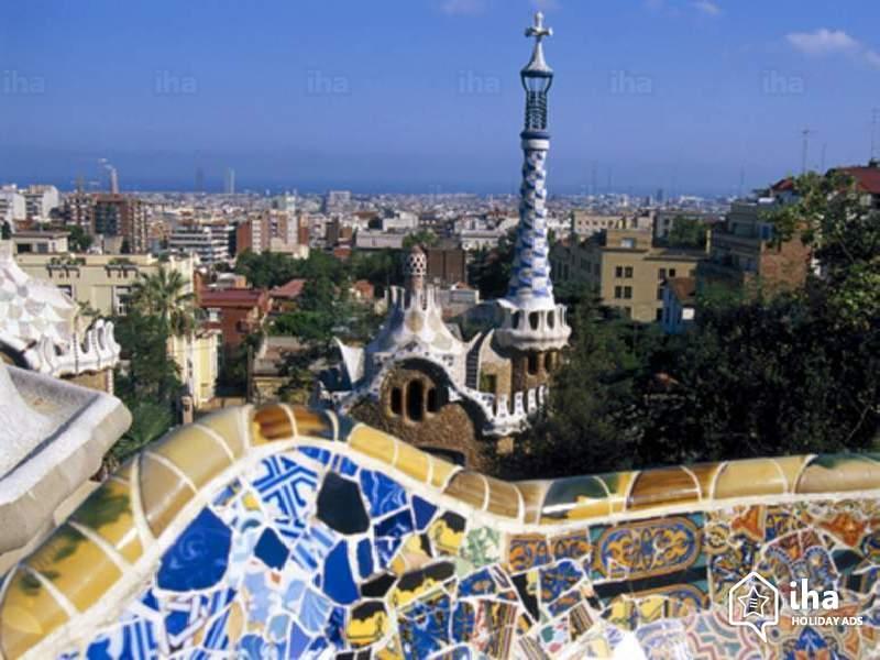 Скачать онлайн бесплатно лучшее фото вид сверху города Барселона в хорошем качестве