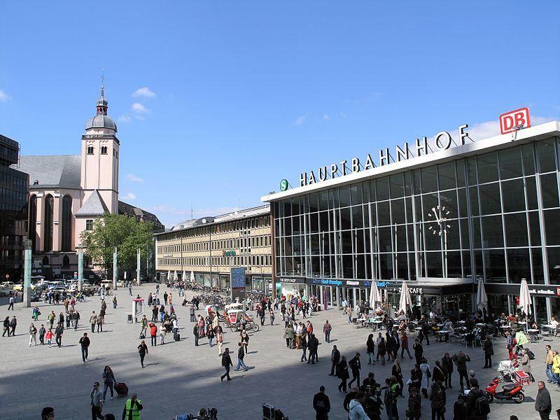 Главный вокзал город Кельн Германия