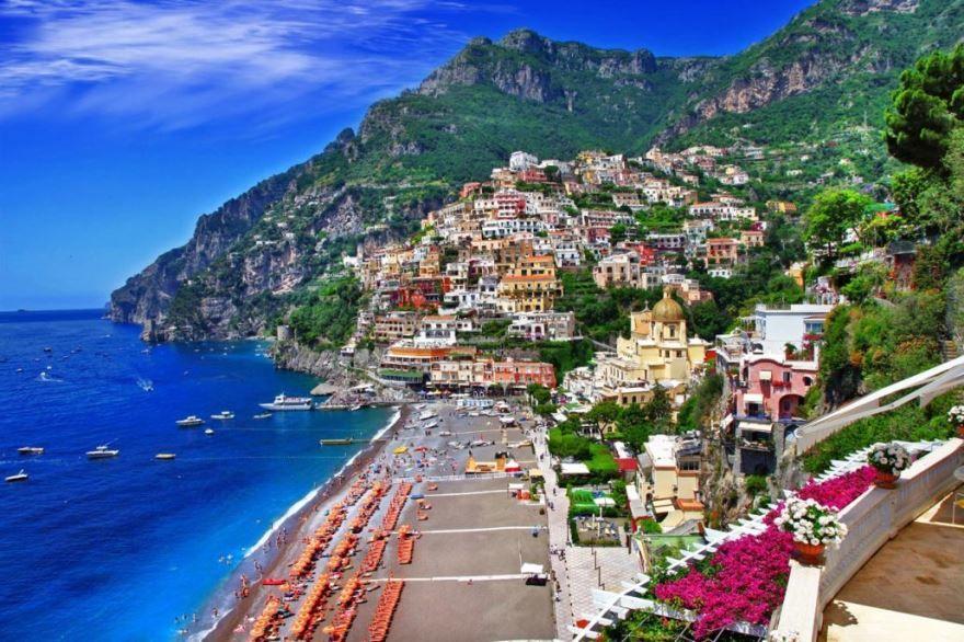 Пляж город Неаполь