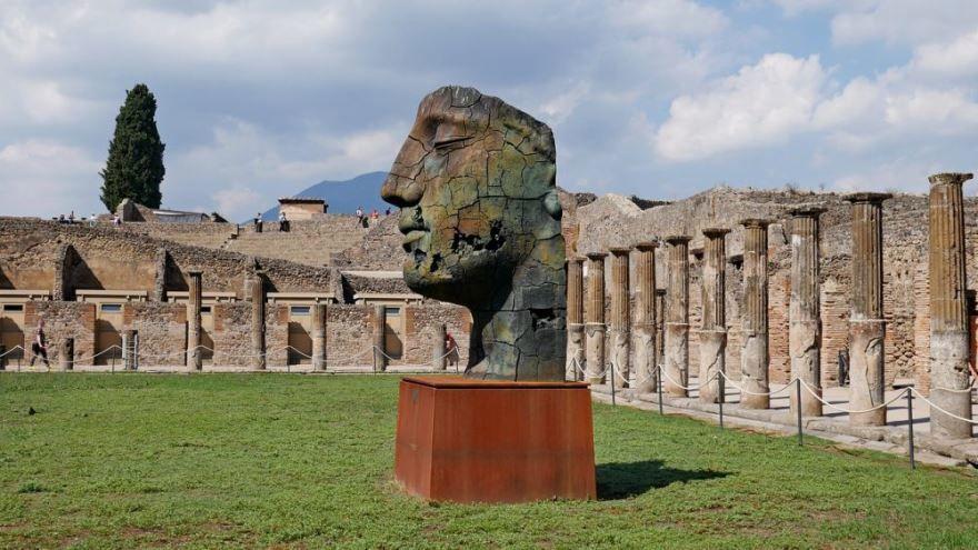 Смотреть красивое фото достопримечательности города Неаполь в хорошем качестве