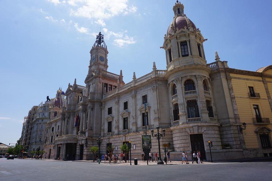 Смотреть красивое фото с красивой архитектурой город Валенсия Испания