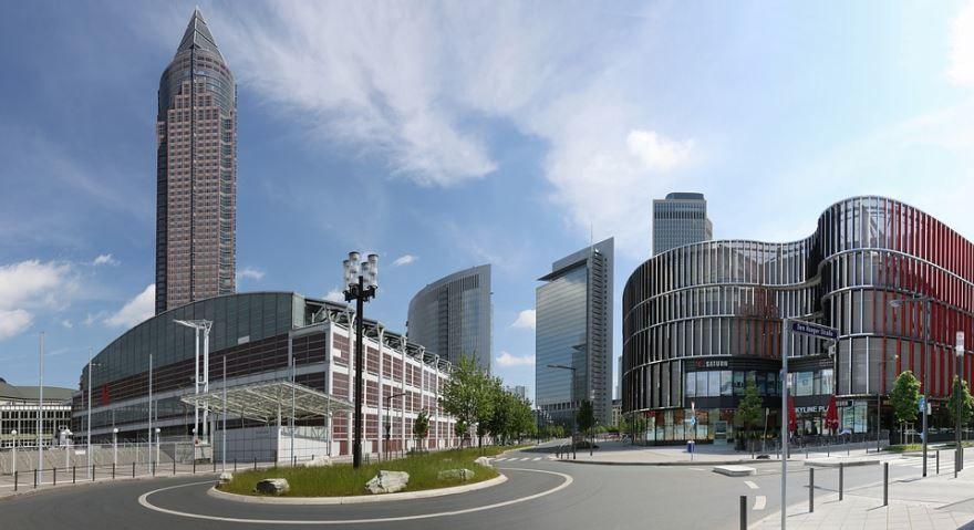 Скачать онлайн бесплатно лучшее фото города Франкфурт в хорошем качестве