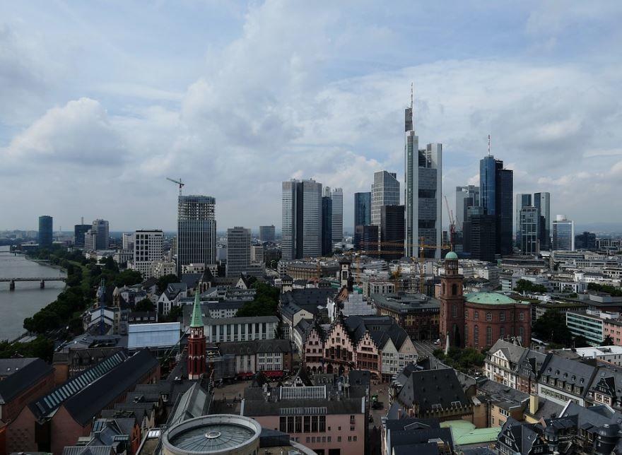 Смотреть красивое фото вид сверху город Франкфурт 2019