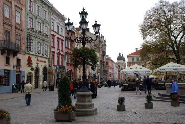 Фото площадь город Львов