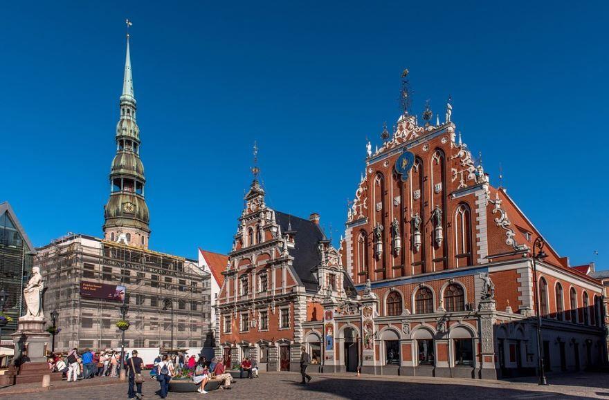 Смотреть красивое фото с красивой архитектурой город Рига Латвия