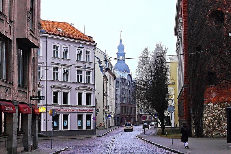 Скачать онлайн бесплатно лучшее фото улица города Рига в хорошем качестве