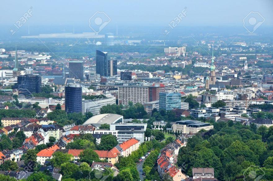 Смотреть красивый вид сверху на город Дортмунд