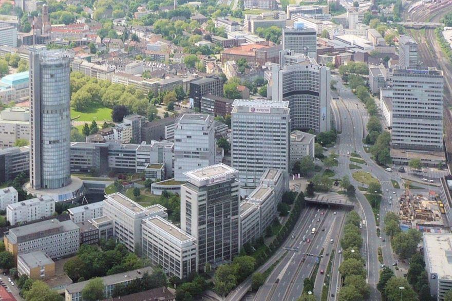Скачать онлайн бесплатно лучшее фото вид сверху города Эссен Германия в хорошем качестве