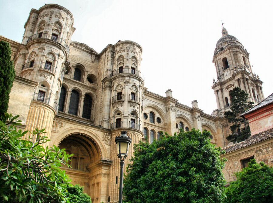 Красивая архитектура города Малага