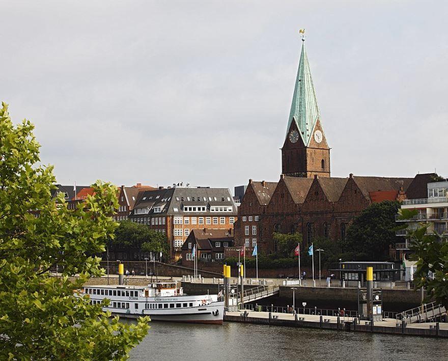 Скачать онлайн бесплатно лучшее фото города Бремен в хорошем качестве
