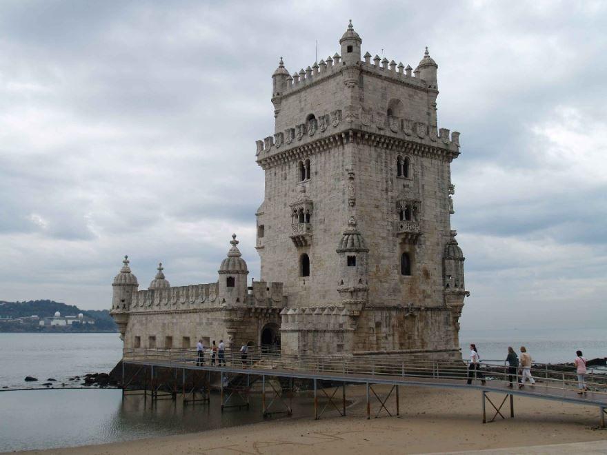 Скачать онлайн бесплатно лучшее фото достопримечательности города Лиссабон Португалия в хорошем качестве