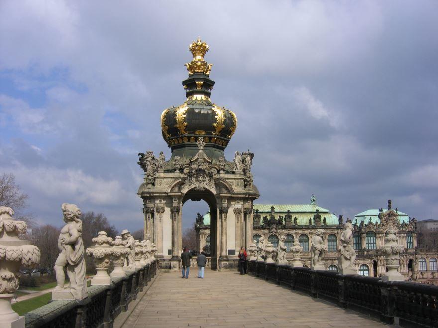 Скачать онлайн бесплатно лучшее фото достопримечательности города Дрезден в хорошем качестве
