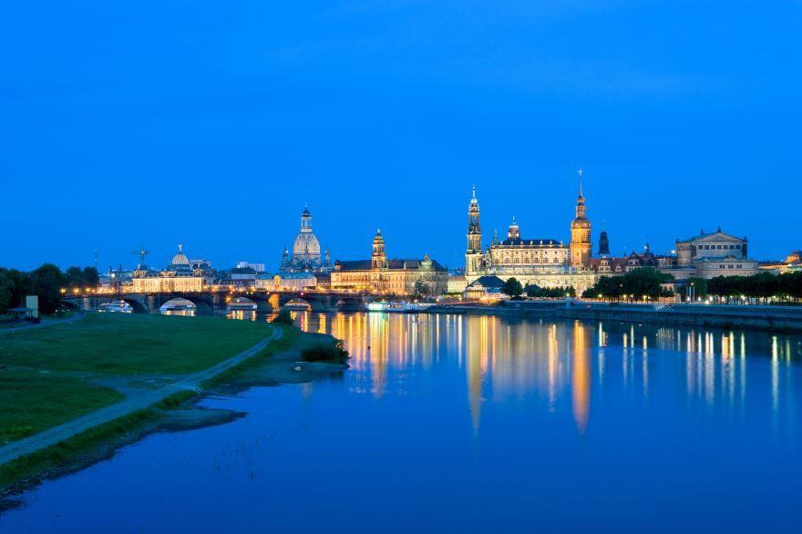 Смотреть красивое вечернее фото города Дрезден в хорошем качестве