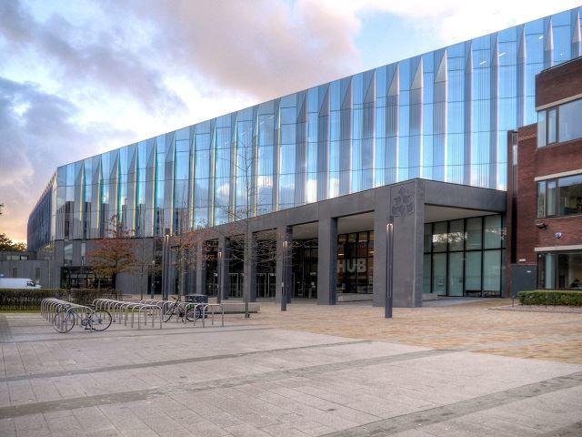 Манчестерская столичная школа бизнеса город Манчестер Англия