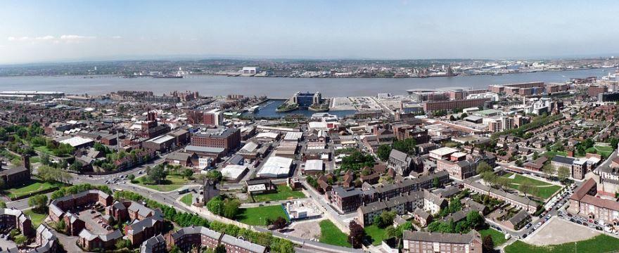 Смотреть лучшее фото панорама города Ливерпуль