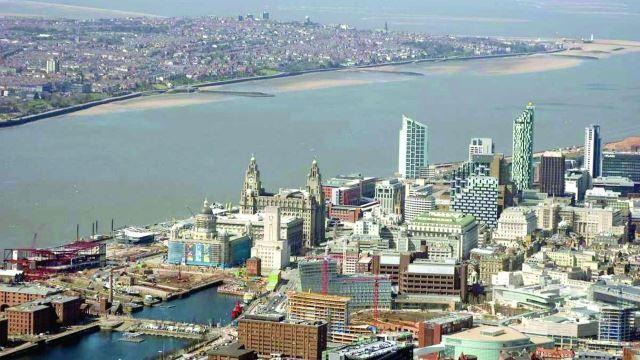 Смотреть красивое фото вид сверху город Ливерпуль 2018