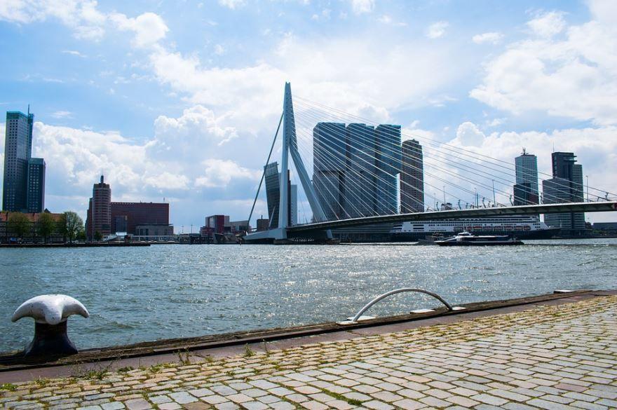 Набережная города Роттердам