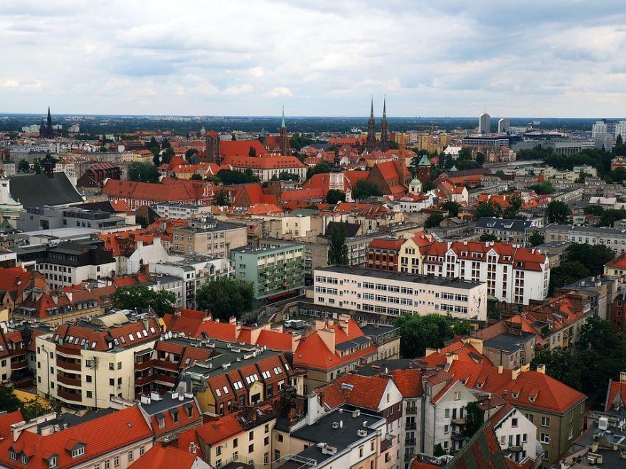 Смотреть красивый вид сверху город Вроцлав 2019
