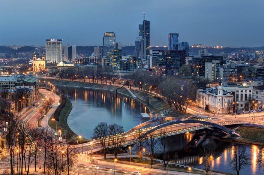 Смотреть лучшее ночное фото города Вильнюс