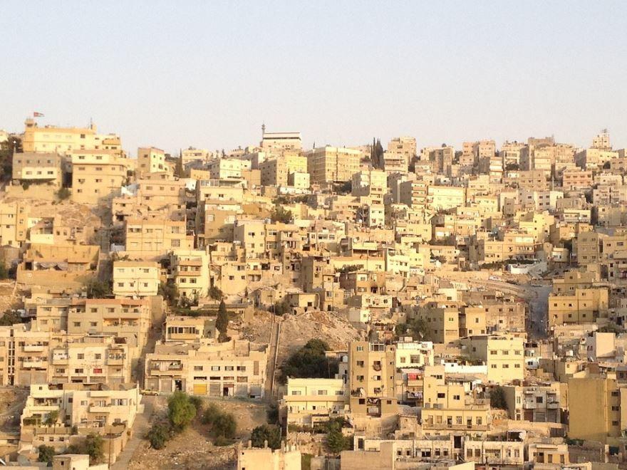 Вид сверху на город Амман 2019