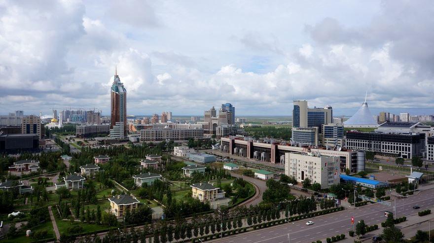 Скачать онлайн бесплатно красивое фото города Астана в хорошем качестве