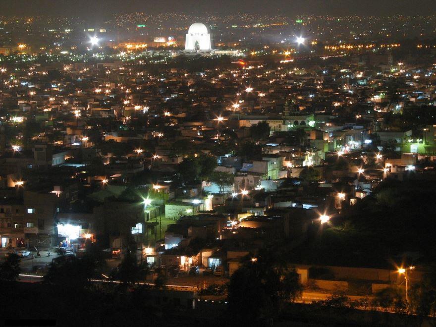 Смотреть лучшее ночное фото города Карачи