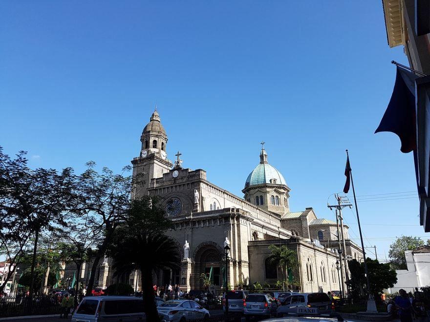 Церковь город Манила