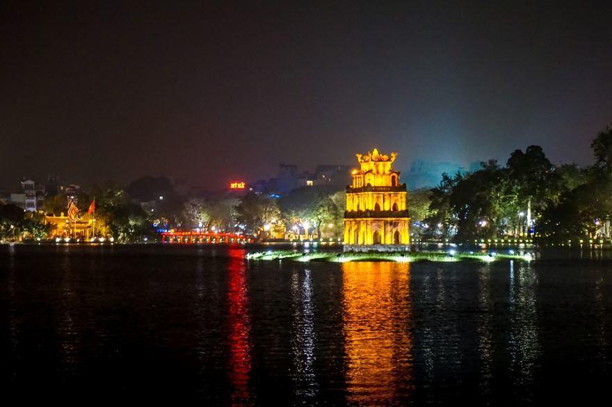 Смотреть красивое ночное фото город Ханой 2019