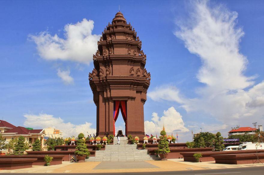 Скачать онлайн бесплатно красивое фото города Промпень Камбоджа в хорошем качестве