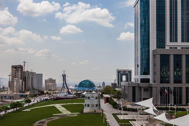 Портовый парк город Тегеран Иран