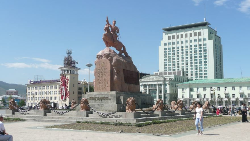 Скачать онлайн бесплатно лучшее фото достопримечательности города Улан Батор в хорошем качестве