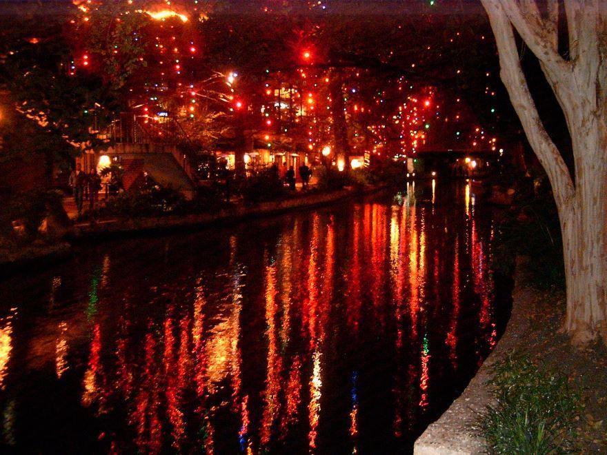 Набережная Сан Антонио перед Новым годом