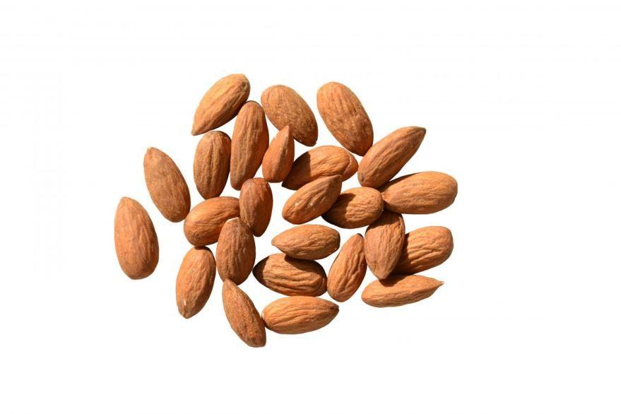 Скачать фото калорийных орехов – миндаля бесплатно
