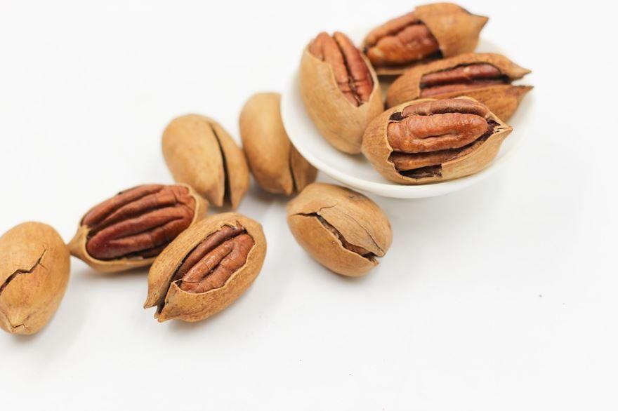 Фото калорийного домашнего ореха – пекан, несущего пользу организму